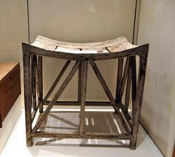 wooden_stool-254x228
